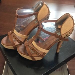 Natural , taupe, brown strappy sandal heel